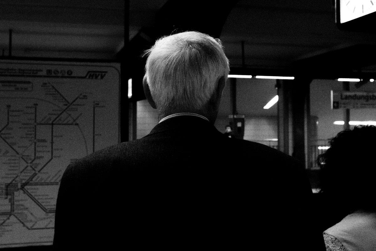 Der Mann in der Untergrundbahnstation