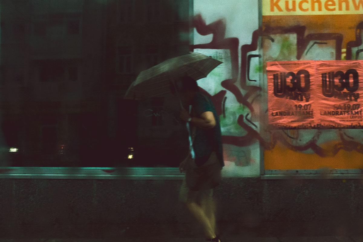 Der Mann mit dem Regenschirm